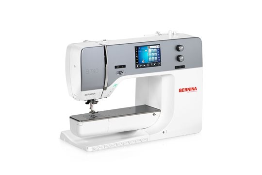 Foto BERNINA 740 naaimachine